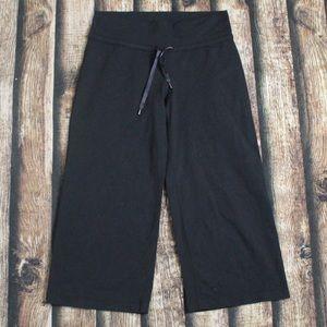 Lululemon Black Cropped Yoga Pant Capris Size 6